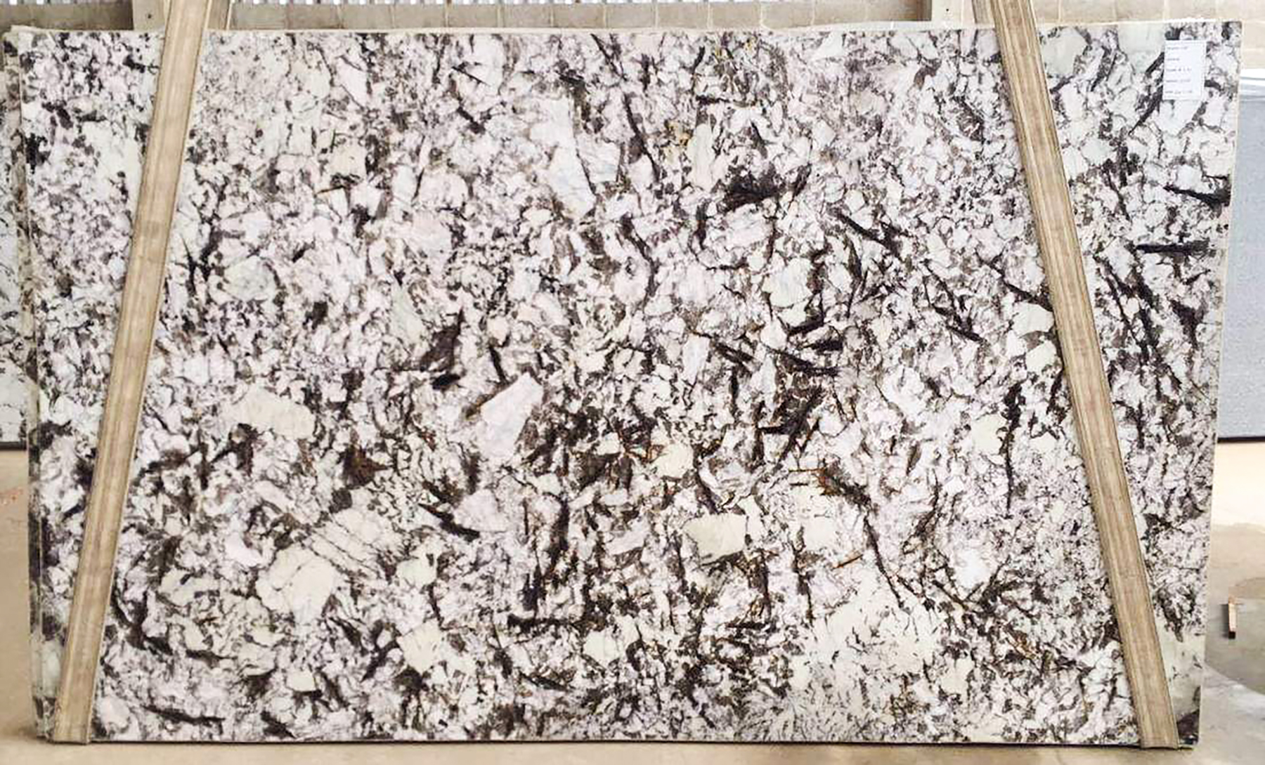 Buy Splendor White Granite Direct at Di Pietra Design in