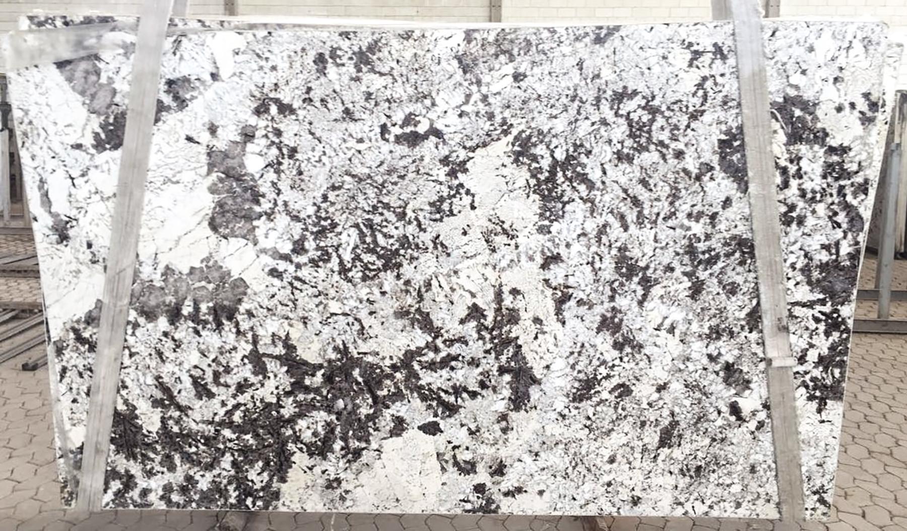 White Diamond Granite Di Pietra Deisgn Countertops
