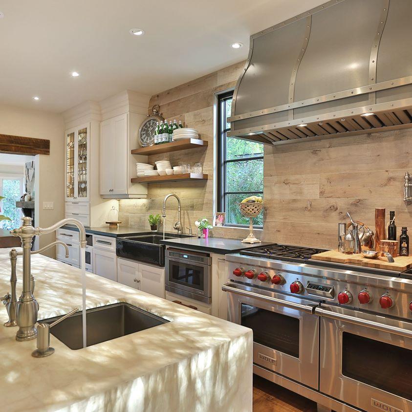 Illuminated White Onyx kitchen